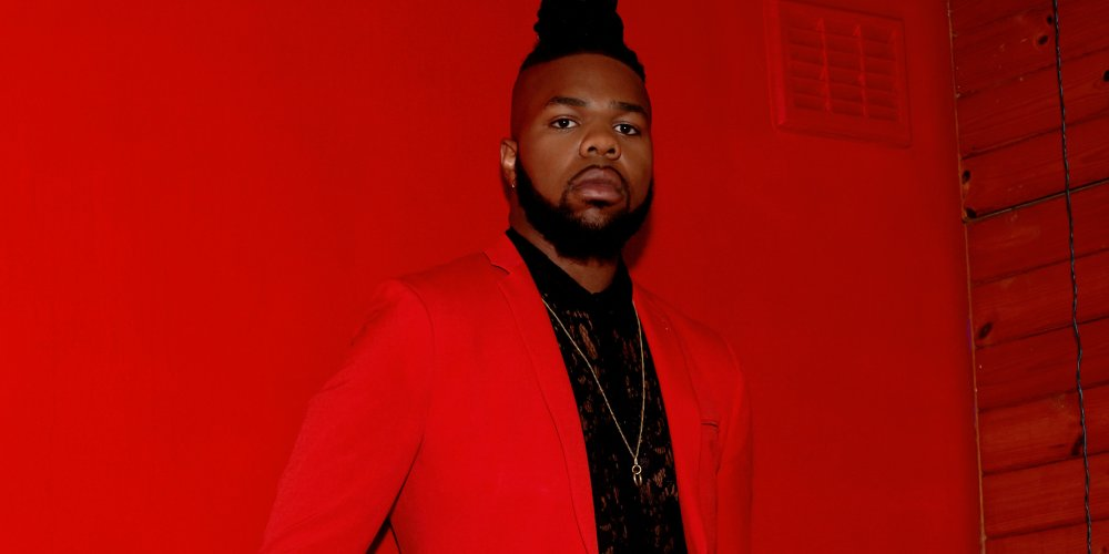MNEK Drops Summer Single 'Colour' Featuring Hailee Steinfeld