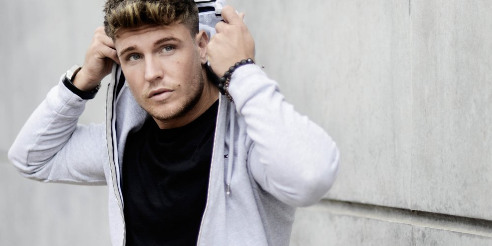 Tom Zanetti Shaves Head For Charity